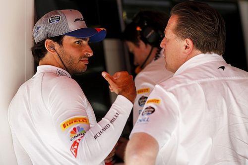 "McLaren to keep ""open book"" approach with Sainz through 2020"