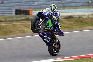MotoGP Jelentés a versenyről Teljes káosz: Rossi nyert Assenben Petrucci és Marquez előtt! Vinales OUT!