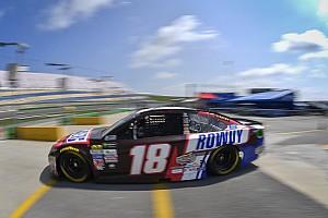NASCAR Cup Reporte de calificación Kyle Busch con la pole en una recortada sesión en Kentucky, Suárez en 9º