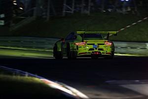 Endurance Nieuws 24 uur Nürburgring: Dumas crasht in leidende Manthey Porsche