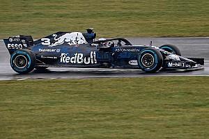 La Red Bull RB14 prend la piste
