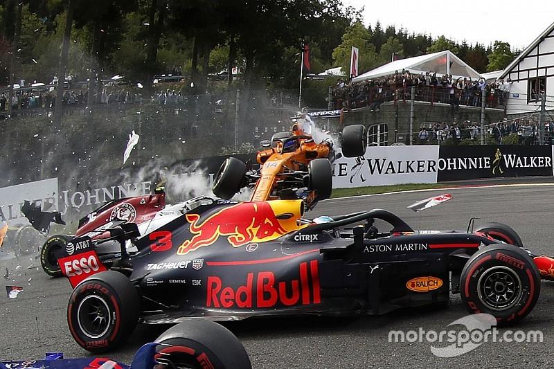 Видео: полет Алонсо на старте Гран При Бельгии