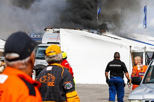 Major paddock fire halts Snetterton British GT meeting