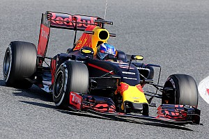 Formula 1 Testing report Barcelona F1 test: Verstappen quickest on second morning