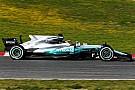 Mercedes вывела на трассу машину с новым «плавником»