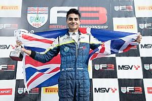 British F3 Actualités Ahmed égale Senna et devient le plus jeune Champion de British F3