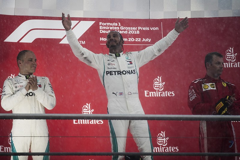 A Mercedes félt, hogy megbüntetik Hamiltont