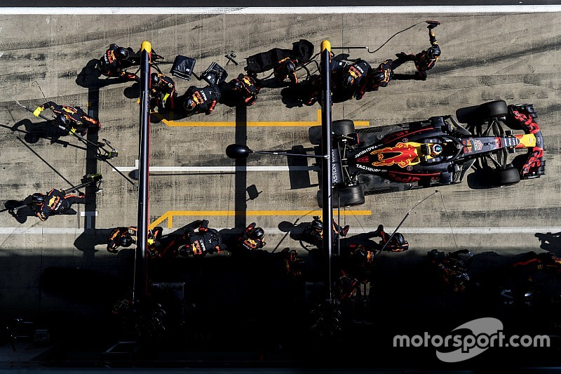 """Red Bull: """"Mindent megadtunk Ricciardónak, de neki ez sem volt elég"""""""