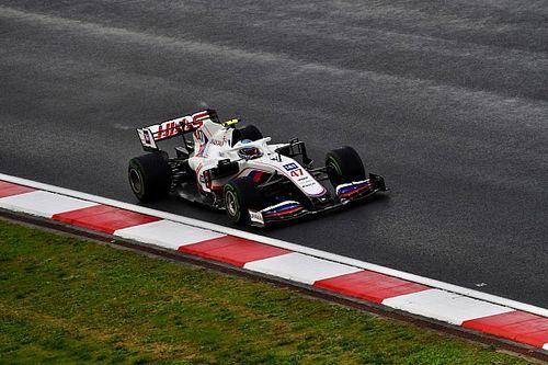 Így örült Mick Schumacher a Q2-be jutásának (videó)