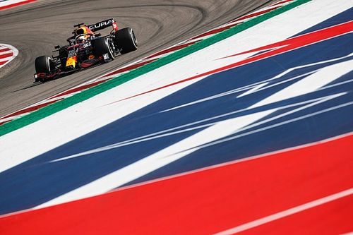 """Horner: """"Chuck the form book away"""" in F1 title run-in"""