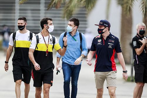 Beda Tim buat Ricciardo Ingin Bersahabat dengan Verstappen