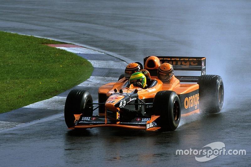 A legendás háromüléses F1-es versenyautó: Arrows AX3