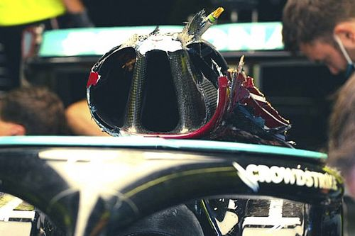 Технический анализ: что спасло голову Хэмилтона от удара Red Bull