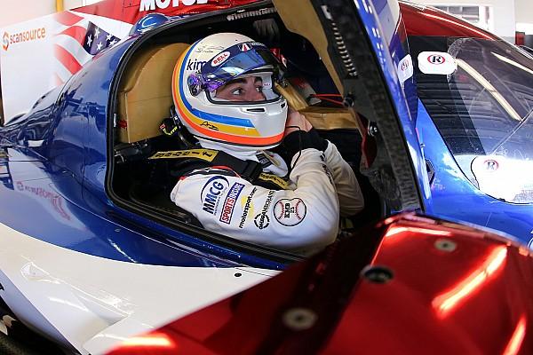 """アロンソのデイトナ初レースは""""問題多発""""「驚いたけど、良い経験だ」"""