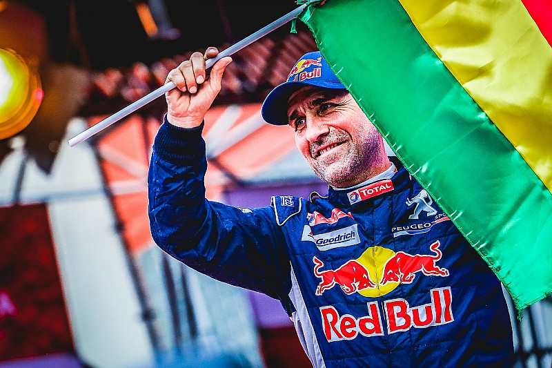 Peterhansel loses Dakar lead after stoppage