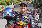 """Polesitter Ricciardo over crash Verstappen: """"Altijd in achterhoofd"""""""