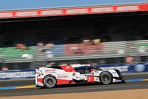 Le Mans Race report Le Mans 24h: Toyota leads, Porsche hits trouble after four hours