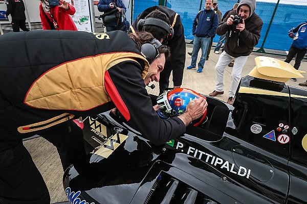 Формула V8 3.5 Репортаж з кваліфікації Формула V8 3.5 у Сільверстоуні: Фіттіпальді виграв другу кваліфікацію
