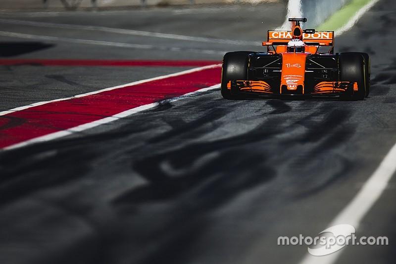 """McLaren dice que los problemas de conducción del MCL32 son """"noticias falsas"""""""