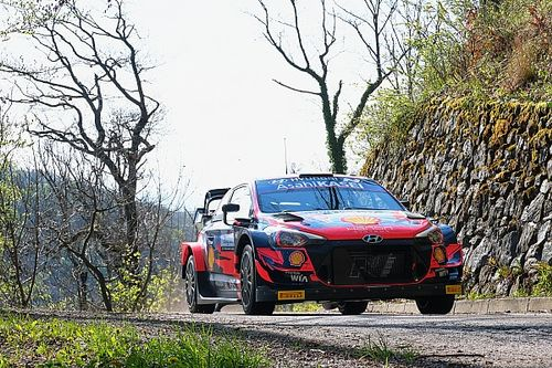 WRC Rally Croatia: Neuville leads from Ogier after Rovanpera crashes
