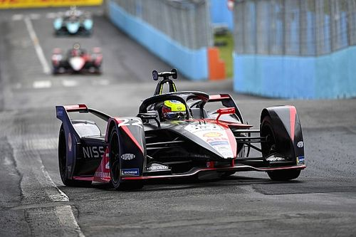 Rowland critical of Rome Formula E penalty after Cassidy clash