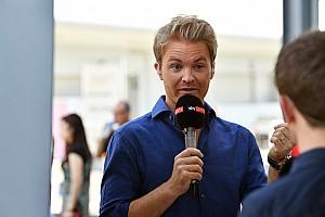 F1 Noticias Motorsport.com VIDEO: Nico Rosberg felicita a Hamilton por su campeonato