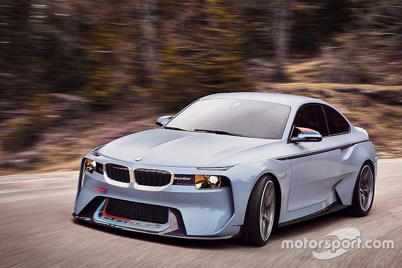 BMW пообіцяла випустити 700-сильний гібридний суперкар до 2023 року