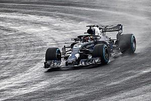 Ricciardo leva à pista novo Red Bull pela primeira vez