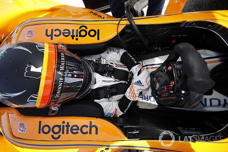 Alonso se enfoca en el ritmo de carrera y desestima clasificación en Indy