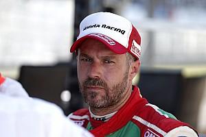 Tiago Monteiro sufre un fuerte accidente en unos test en el Circuit de Barcelona-Catalunya