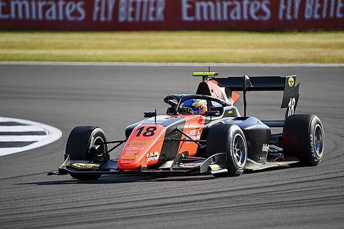 Silverstone F3: Victoria de Viscaal tras un adelantamiento en la última vuelta