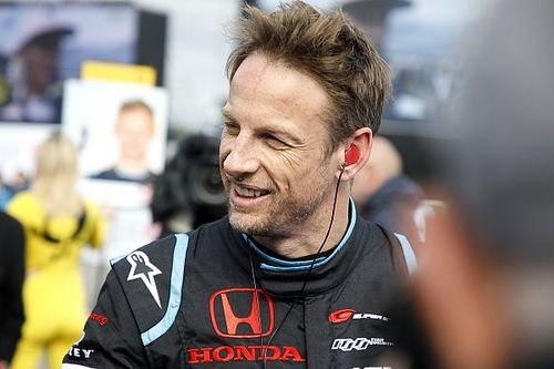 Jenson Button disperso nel deserto per 17 ore