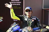 Rossi firmó 17 minutos antes de hacer oficial su continuidad