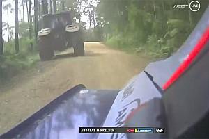 Unglaublich: Mikkelsen verunfallt auf Wertungsprüfung wegen Traktor