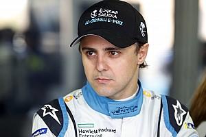 Több büntetéssel és egy 17. hellyel ért véget Massa első Formula E-versenye