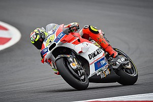MotoGP Qualifying report Austria MotoGP: Iannone snatches pole from Rossi in epic duel