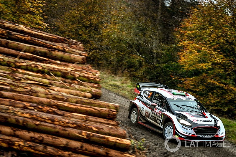 Galler WRC: Yerel kahraman Evans cuma sabahının lideri oldu