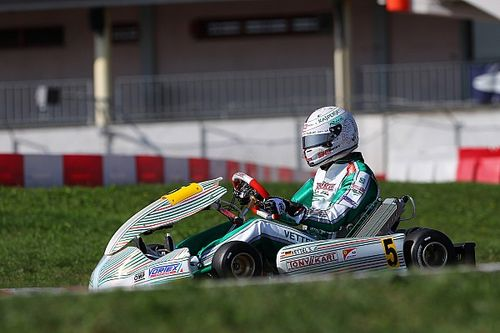 Fotos: Vettel desconecta probando para Tony Kart