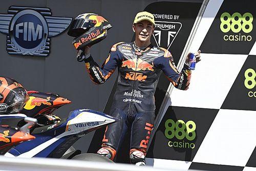 Moto2 Portekiz: 10. sıradan başlayan Raul Fernandez kazandı, Lowes kaza yaptı