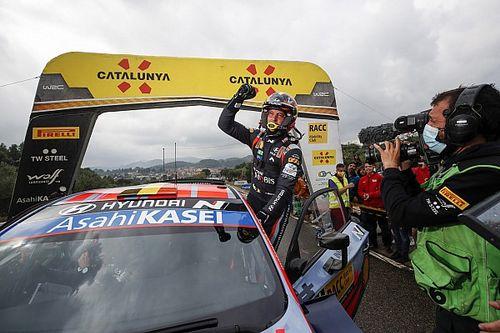 """WRC, Neuville: """"Ho vinto solo grazie all'aiuto dei commissari"""""""