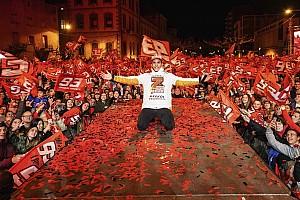 Semaraknya perayaan gelar juara Marquez