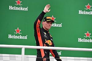 """Stewart diz que Verstappen """"rejuvenesce"""" a F1"""