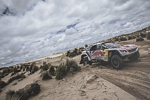 Dakar Breaking news Peterhansel handed back Dakar lead after biker crash