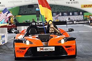 Formule 1-iconen Vettel en Coulthard nemen deel aan Race of Champions