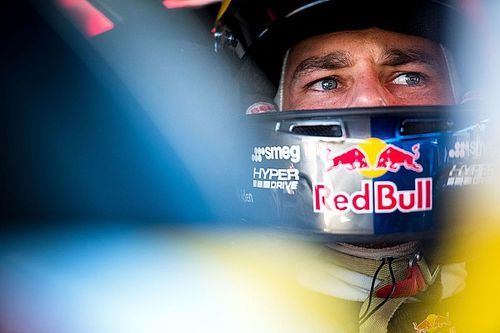 Van Gisbergen extends Triple Eight contract