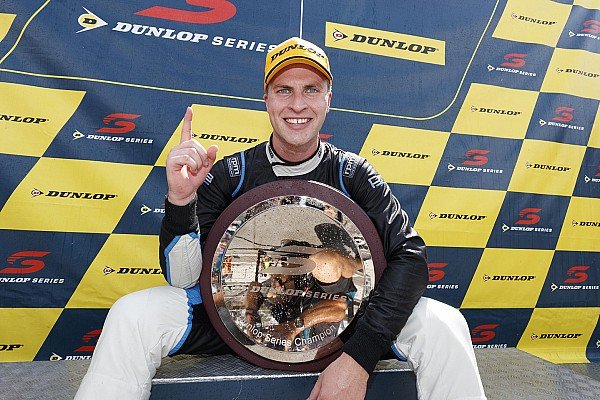 Rookies circle for Supercars Wildcard slots