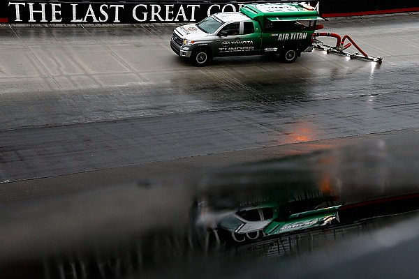 NASCAR Cup Chuva incessante obriga NASCAR a adiar etapa de Bristol