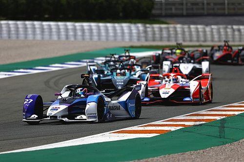 Takımların enerjisi, pazar günkü FE yarışında da da bitmeye çok yakınmış