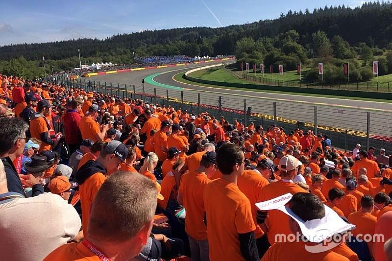 Los fans de la F1 tiñen el ambiente de naranja con Motorsport Experiences