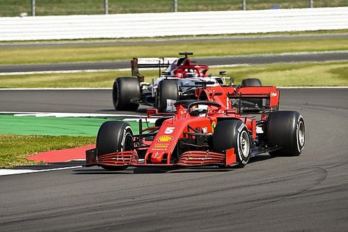 """""""Vettel egy normál szezonban nem maradna az év végéig"""""""